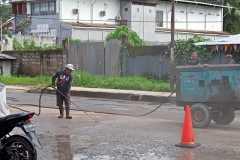 Jalan kota Sorong diaspal menjelang kunjungan Presiden